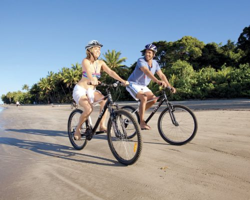 couple-four-mile-beach-bike-ride-1